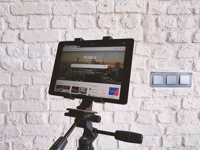 איך משיגים תמונות בחינם מסטוקים של תמונות באינטרנט?